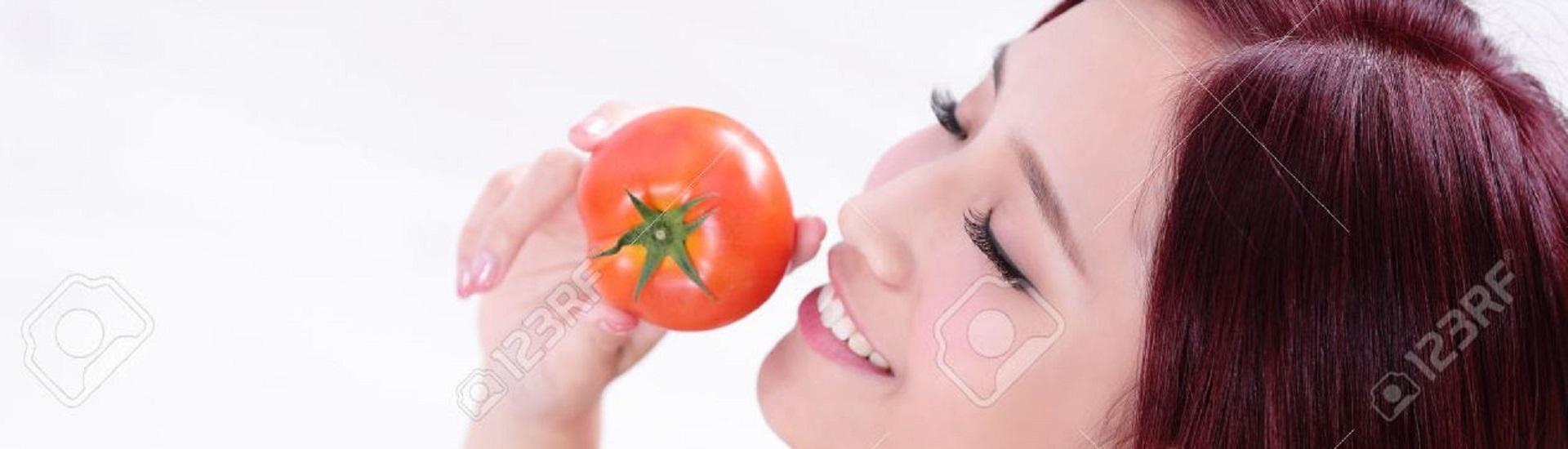 5 Beneficios De Frotar Un Pedazo De Tomate En El Rostro Por Un  ~ Como Quitar Las Manchas De Tomate